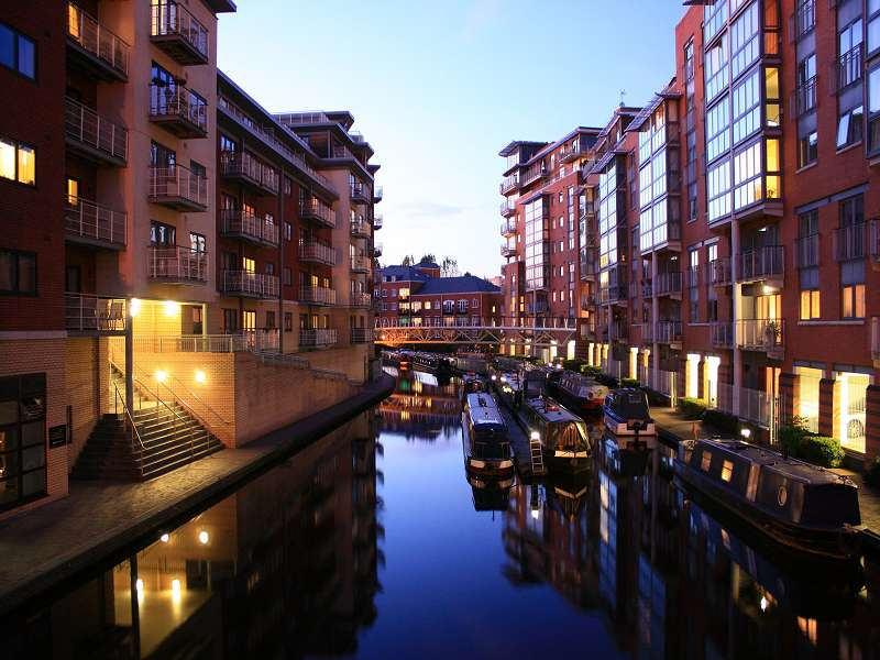 Canals and barges in Birmingham