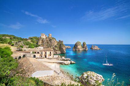 Italienische K�ste auf Sizilien - mit dem Mietwagen erreichbar